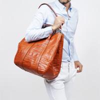モダンブルーの取扱いバッグです。