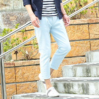 メンズスタイルのアンクル丈パンツです。