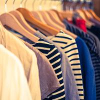 服のカラーについて。