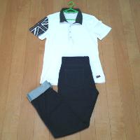 白ポロシャツとジョグデニムパンツのコーデです。