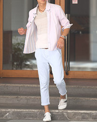 メンズスタイルの春の長袖シャツコーデです。