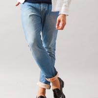 ビューティ&ユースのクロップドジーンズです。