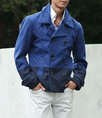 メンズスタイルのネイビーPコートコーデです。