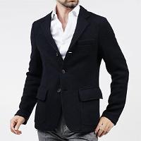 アルマーニのジャケットです。