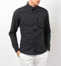 コムサイズムのブラックシャツです。