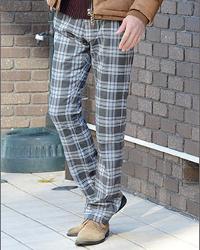 メンズスタイルのチェック柄パンツです。