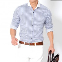 ビズフロントの腕まくり長袖クレリックシャツです。