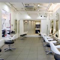 メンズ専門の美容室に行くのが一番おすすめ。