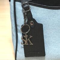 サマンサキングズのバッグパスケースです。