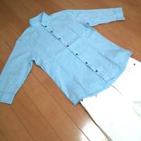 ミッシェルクランのストライプスタンドカラーシャツの夏コーデです。