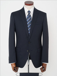 AOKIのスーツです。
