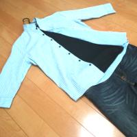 ミッシェルクランのストライプスタンドカラーシャツの春秋コーデです。