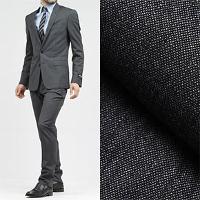 ドルチェ&ガッバーナのグレーのスーツです。
