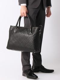 ブルーエグリージオのバッグです。