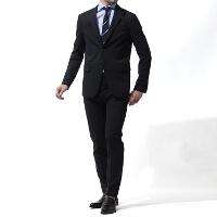 ディースクエアードの黒スーツです。