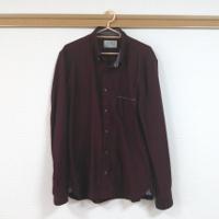 ジュンレッドのワインレッドの長袖シャツです。