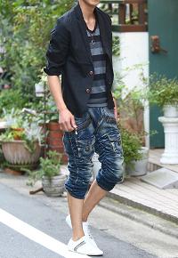 メンズスタイルの夏のテーラードジャケットの着こなし➀です。