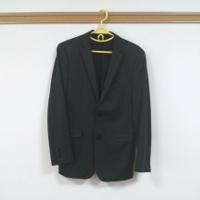 定番黒のジャケットです。