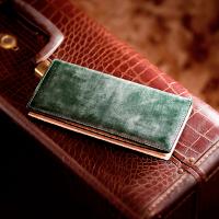 ココマイスターの薄型長財布です。