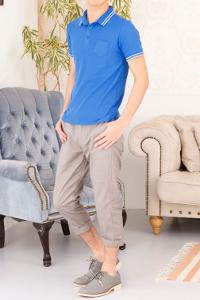 メンズファッション+のブルーのポロシャツです。