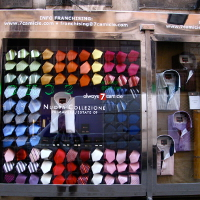 20代のアイテム選びはスーツ量販店が一番。