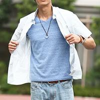 メンズスタイルのブルー系半袖シャツコーデです。