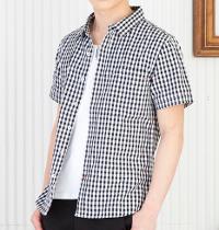 メンズファッションプラスの黒チェック半袖シャツコーデです。