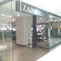 ZARA コレット店です。