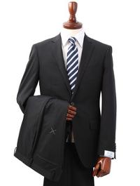 スーツカンパニーの無地ブラックスーツです。