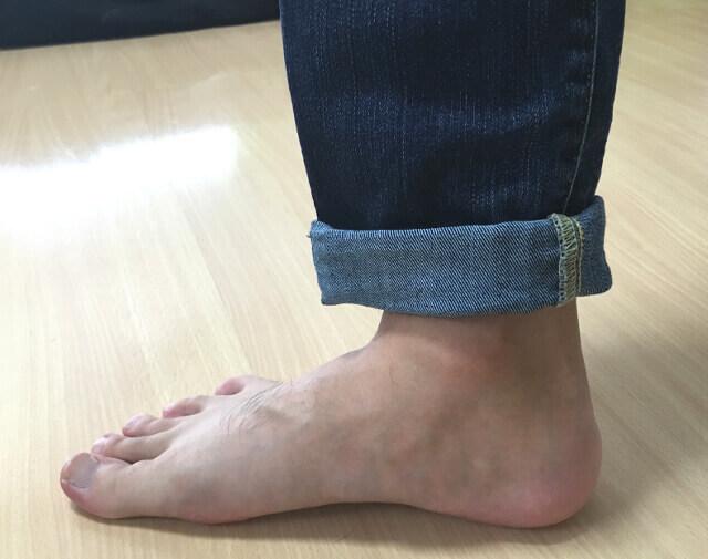 ロールアップしたジーンズです。