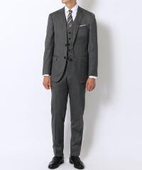 トゥモローランドのスーツです。