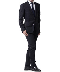 ドルチェ&ガッバーナの黒スーツです。